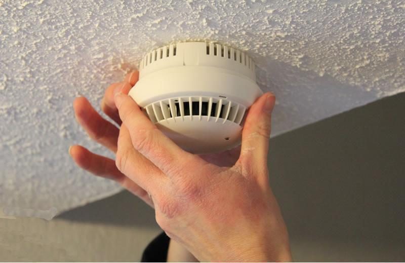 Make a new year's resolution: test your smoke alarms every month!